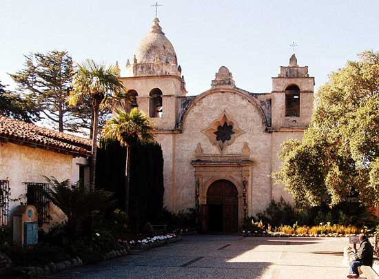 What is the Official Site of Mission San Carlos Borromeo de Carmelo?
