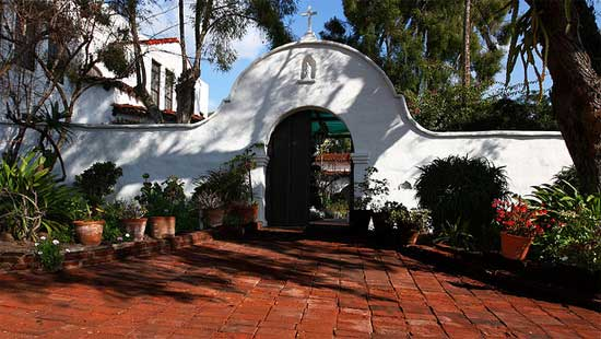 What is the Official Mission Website of San Diego de Alcala