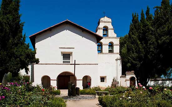 What is the History of Mission San Juan Bautista?